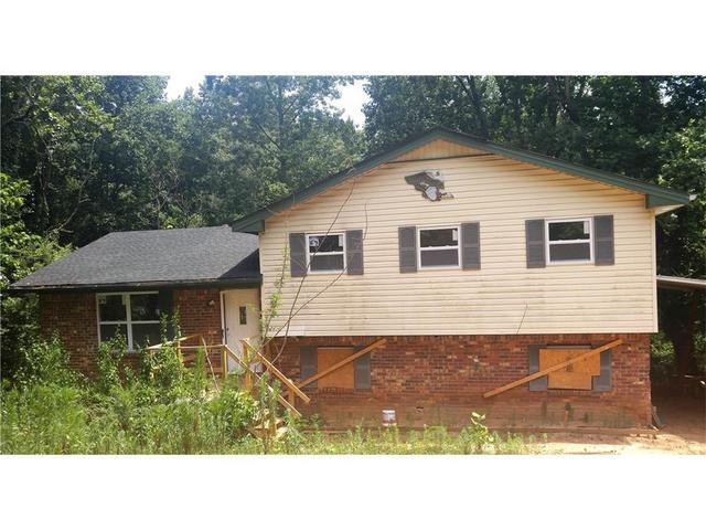 4412 Rustic Wood Dr, Stone Mountain, GA 30083