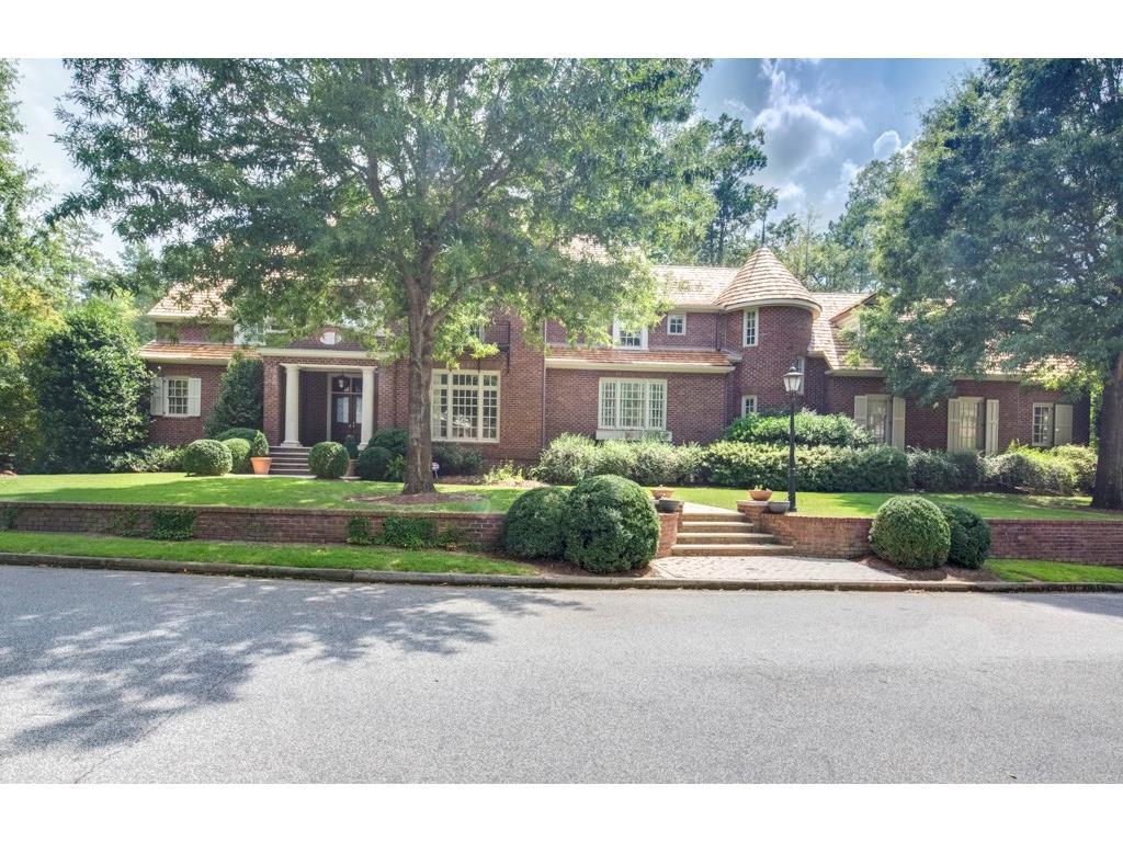 18 Leighton Ct, Atlanta, GA 30327