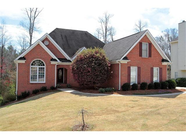 1326 Maple Creek Ave, Loganville, GA 30052