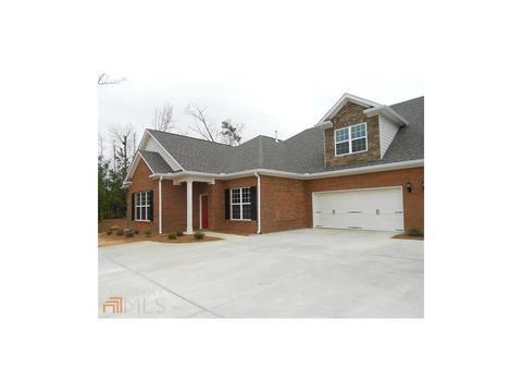 402 Haven Cir #402, Douglasville, GA 30135