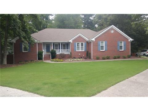 1679 Peachcrest Ct, Lawrenceville, GA 30043