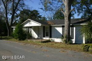 956 12th, Graceville, FL 32440
