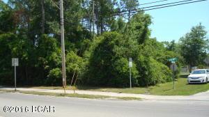 000 E Cherry St, Callaway, FL 32404