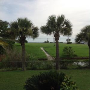117 E Lakeshore Dr, Panama City Beach, FL 32413