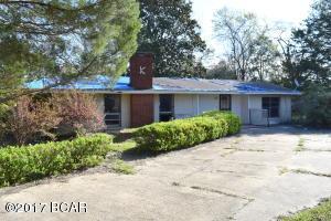 807 Maple St, Chipley, FL 32428