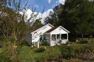 1413 S Pearl St, Crestview, FL 32539