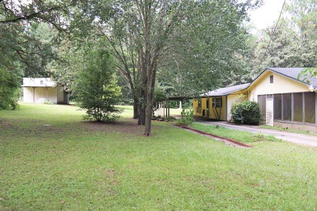 97 Walnut Ave, Defuniak Springs, FL 32435