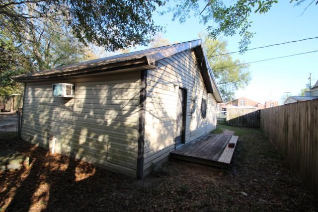 909 909a Mapoles Street, Crestview, FL 32536