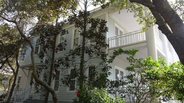 109 Carillon Ave, Panama City Beach, FL 32413