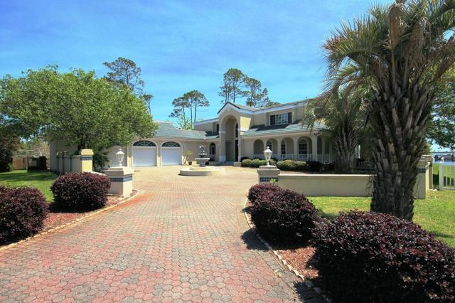 14 Sleepy Hollow Rd, Mary Esther, FL 32569