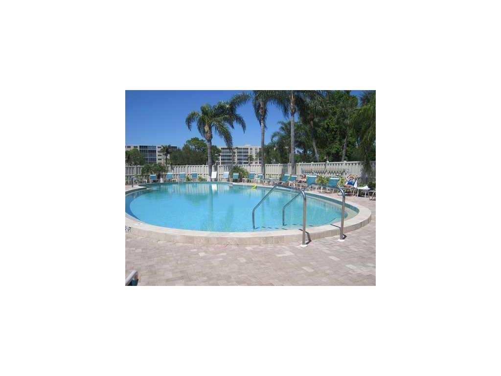 3840 Ironwood Lane #102H, Bradenton, FL 34209