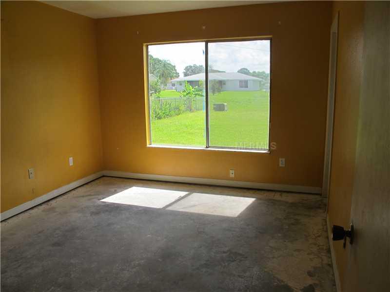 2552 Roxbury Cir, North Port FL 34287