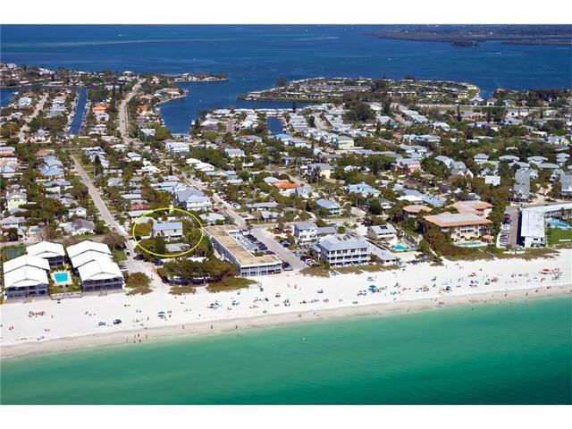 6618 Gulf Dr, Holmes Beach, FL 34217