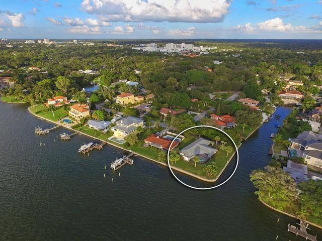 1502 Sandpiper Ln, Sarasota, FL