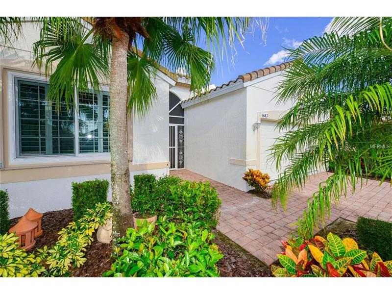 6683 41st Street E Circle, Sarasota, FL 34243