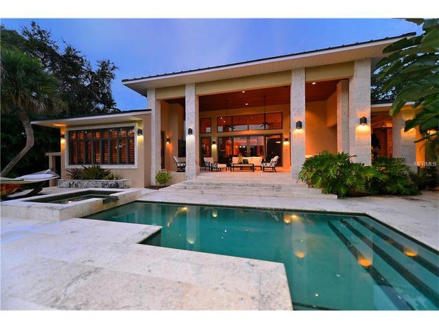 620 Mangrove Point Rd, Sarasota, FL