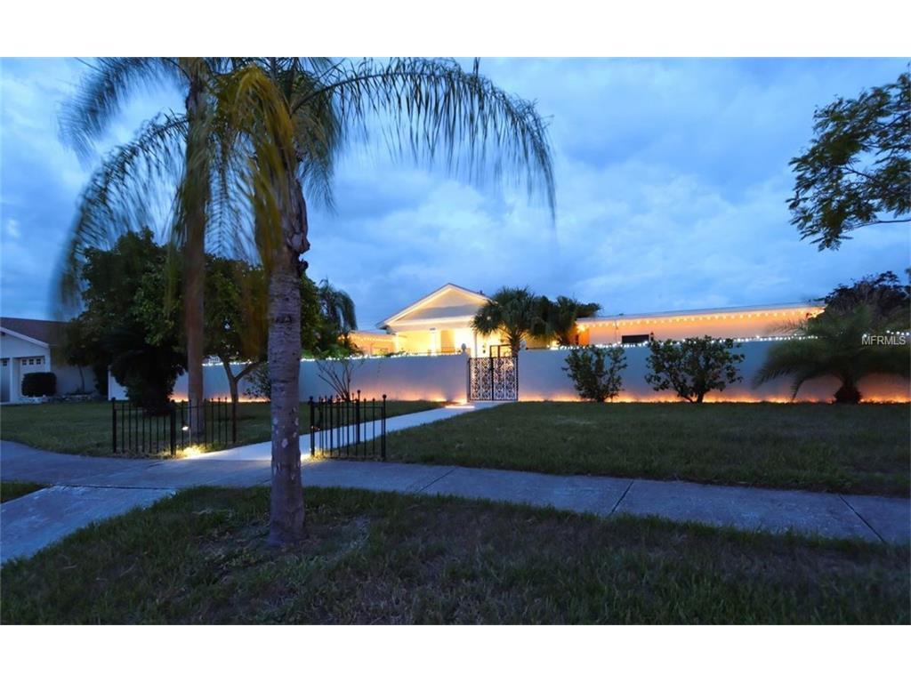 6557 Bluewater Ave, Sarasota, FL