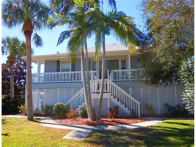 7304 Holmes Blvd, Holmes Beach, FL 34217