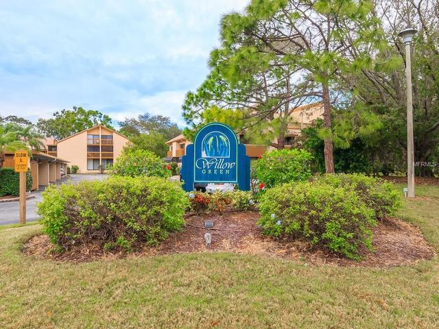 3061 Willow Grn #APT 6, Sarasota, FL