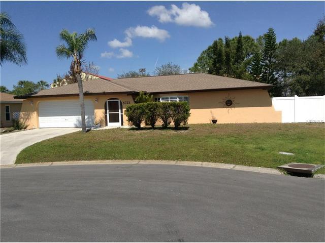 5721 Augusta Cir, Sarasota, FL