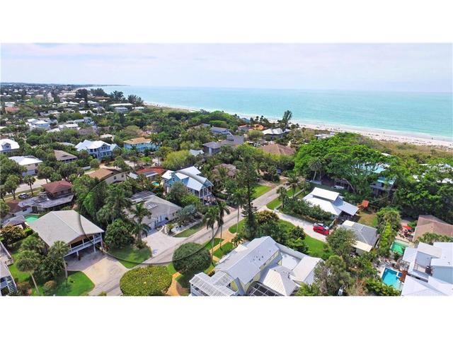 113 Beach Ave, Anna Maria, FL 34216