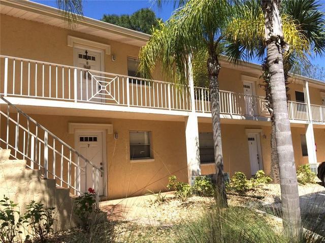 966 La Costa Cir #APT 6, Sarasota, FL