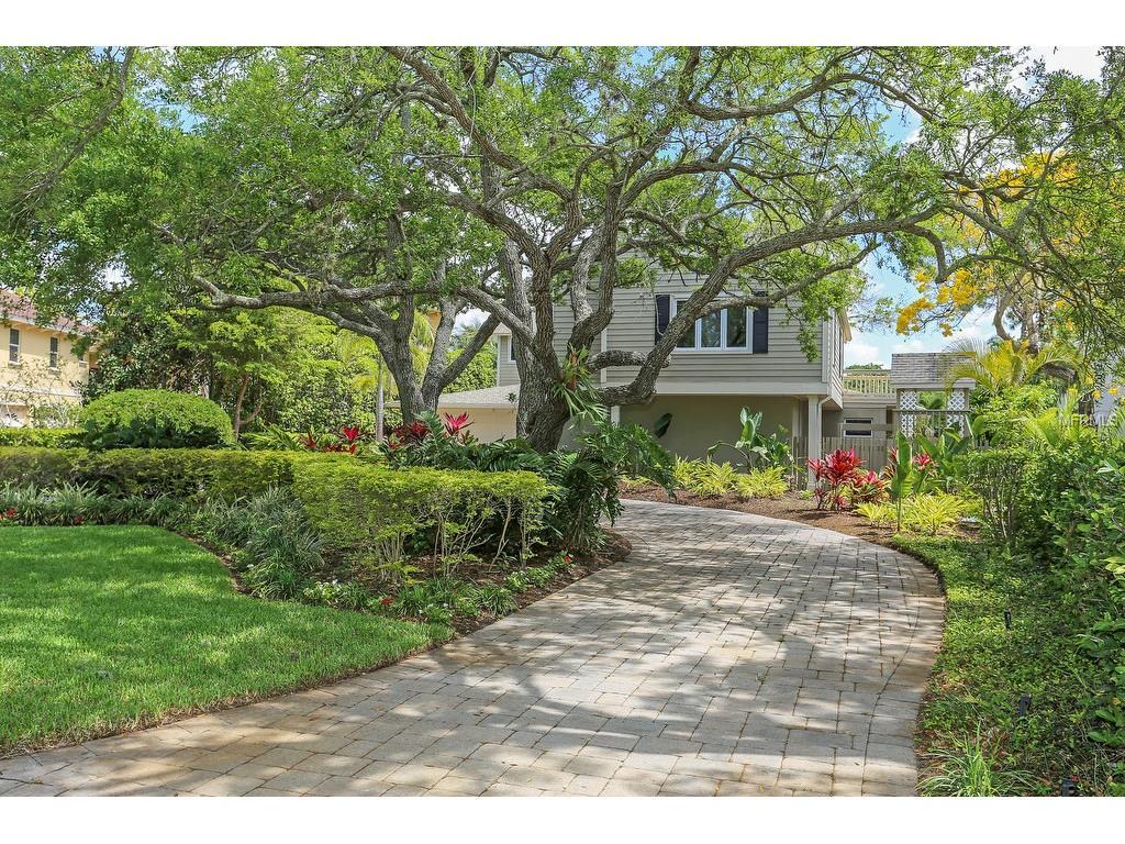 1145 N Lake Shore Drive, Sarasota, FL 34231