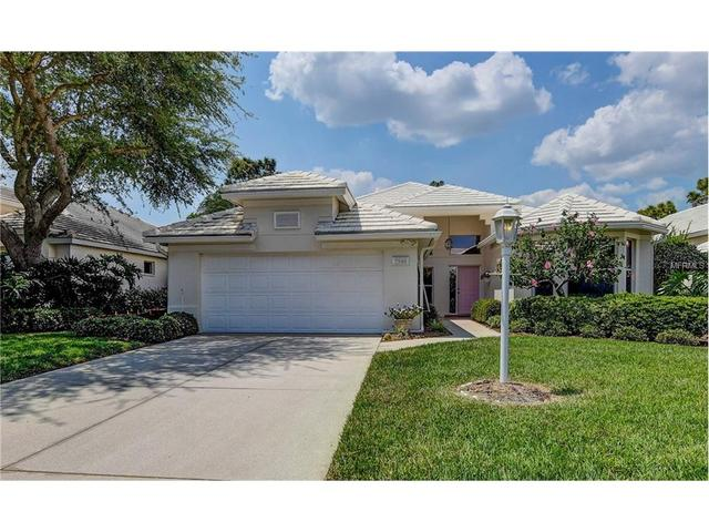 7948 Hampton Ct, University Park, FL 34201