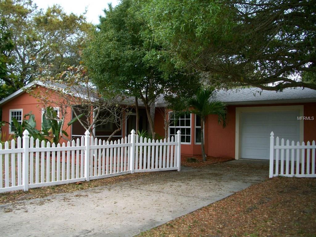 2485 Breakwater Cir, Sarasota, FL