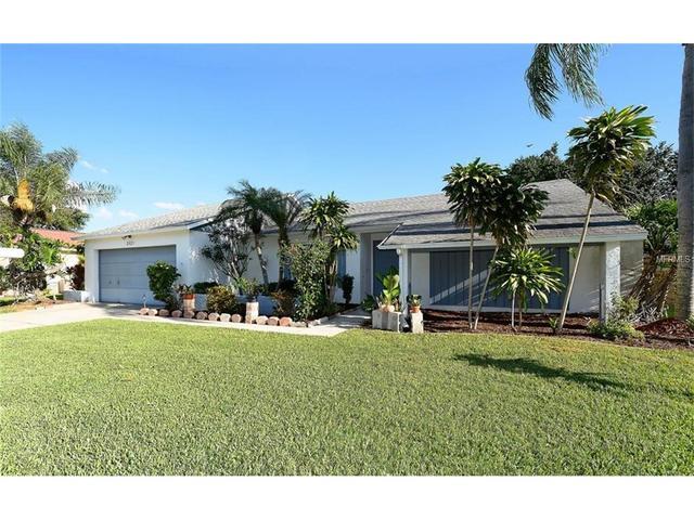 3821 Easton St, Sarasota, FL