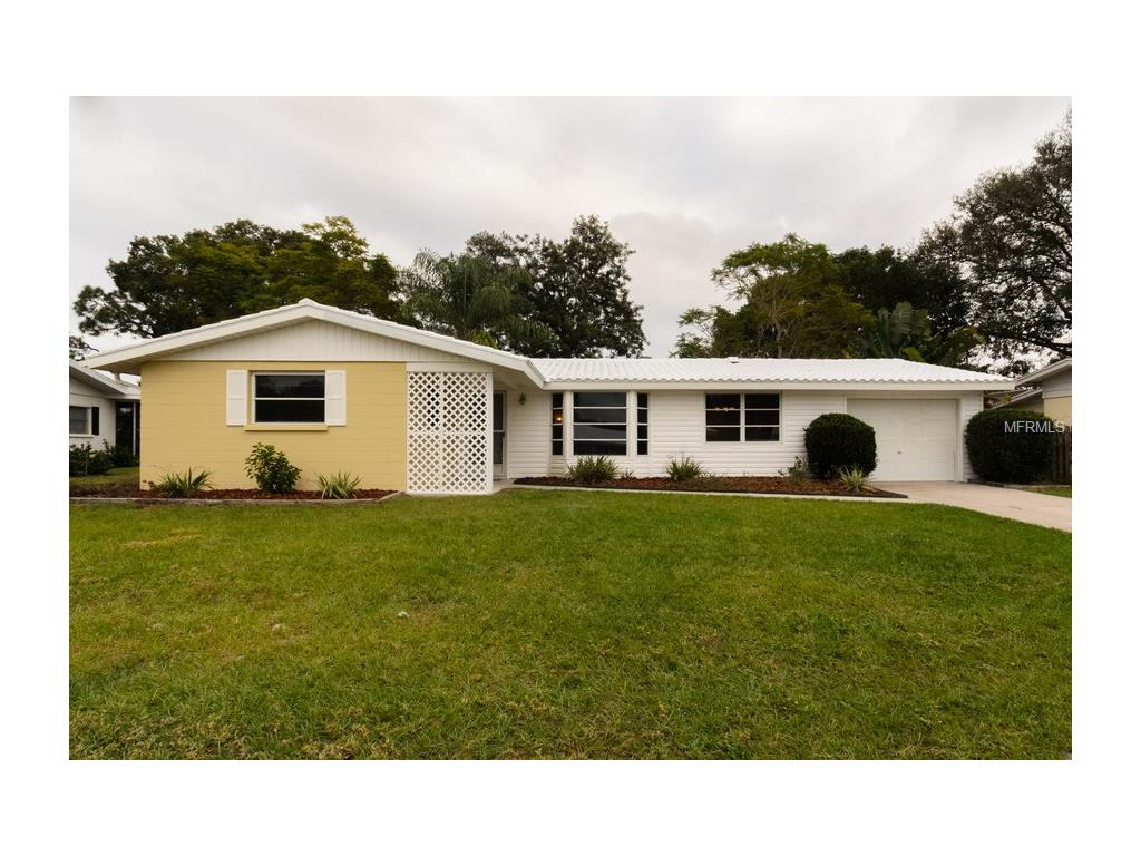 2405 Breakwater Cir, Sarasota, FL 34231