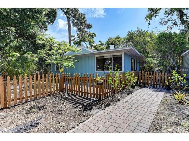 3734 Iroquois Ave, Sarasota, FL