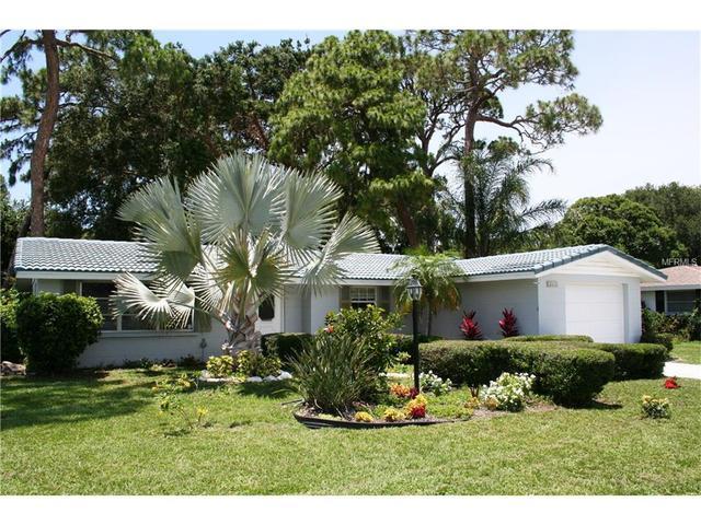 2432 Breakwater Cir, Sarasota, FL