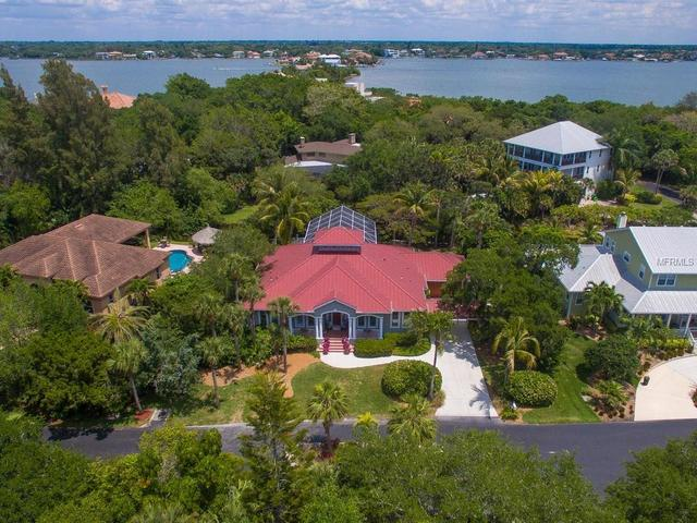 1221 Oyster Cove Dr, Sarasota, FL