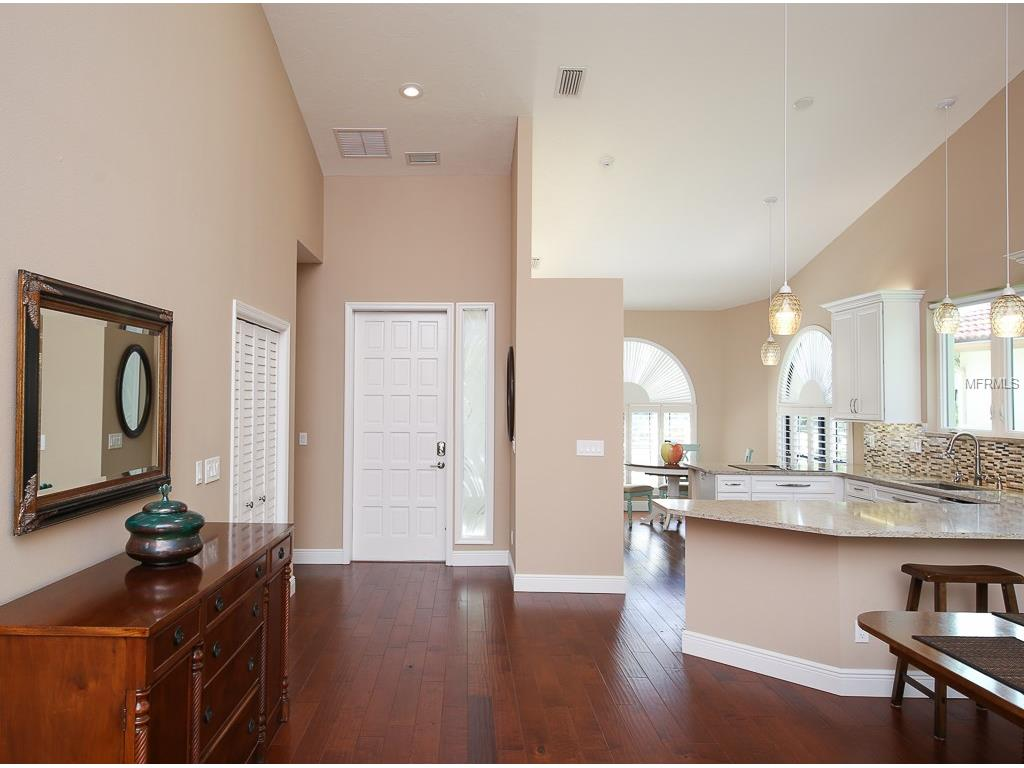4555 Las Brisas Lane, Sarasota, FL 34238