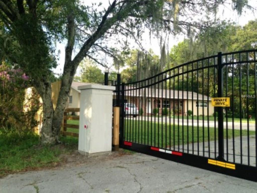 110 Country Club Dr, Deland, FL 32724
