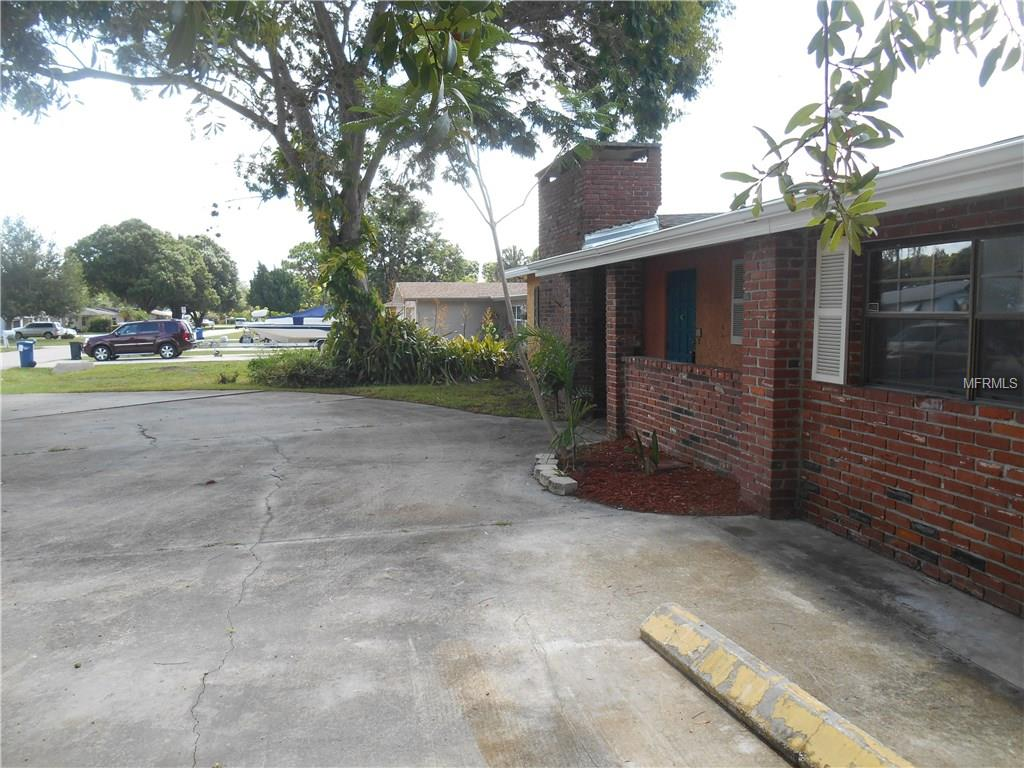 3302 52nd Avenue Drive W, Bradenton, FL 34207
