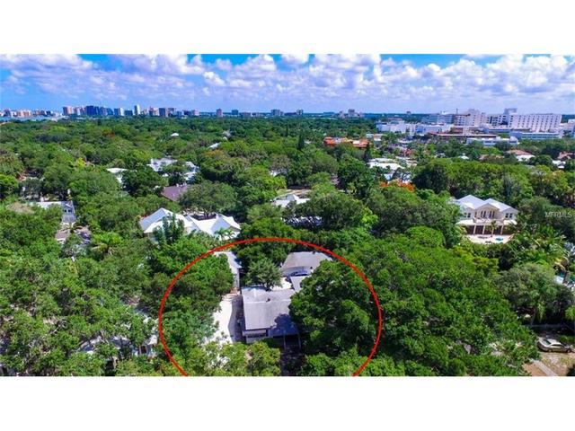 1741 Illehaw Dr, Sarasota, FL 34239