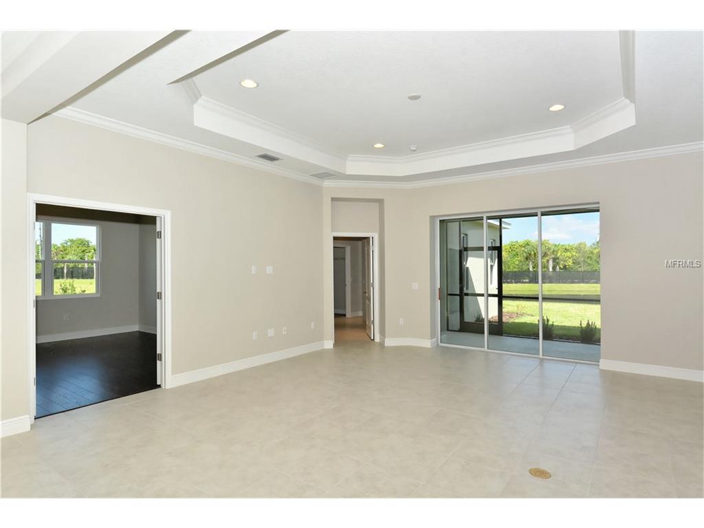 3703 Woodcliff Lake Terrace, Sarasota, FL 34243