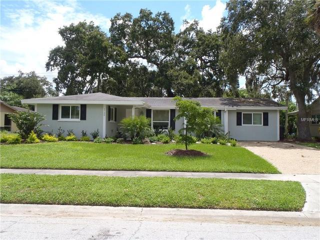 2730 Regatta Dr, Sarasota, FL 34231