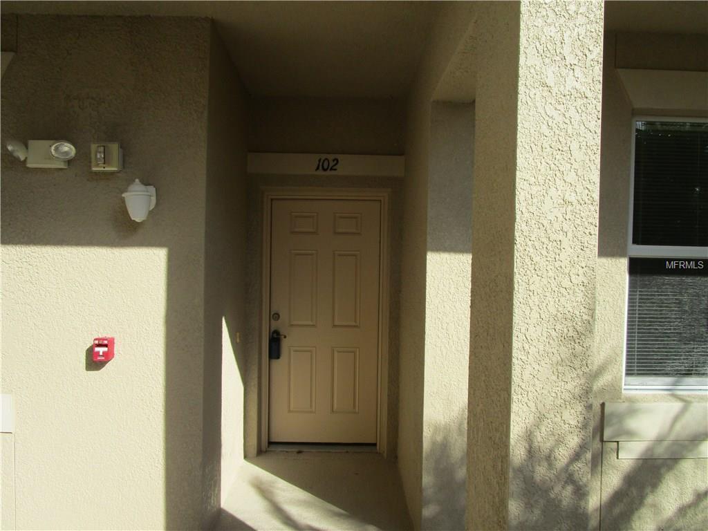 811 Fairwaycove Lane #102, Bradenton, FL 34212
