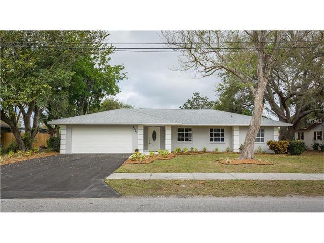 1323 Magellan Dr, Sarasota, FL 34243