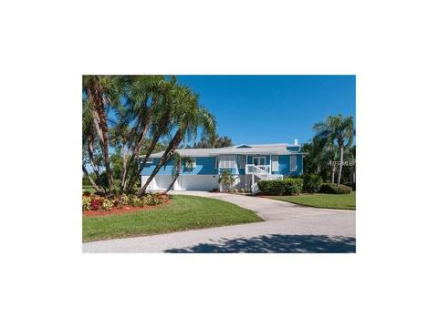 8112 19th Avenue Dr W, Bradenton, FL 34209