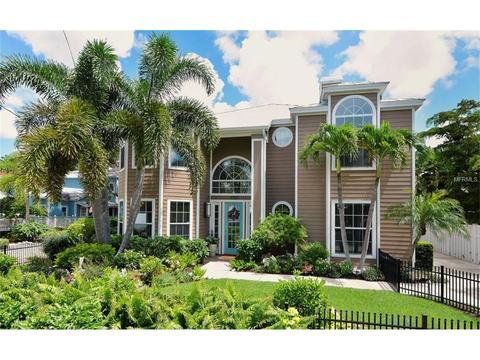 1727 Hyde Park St, Sarasota, FL 34239