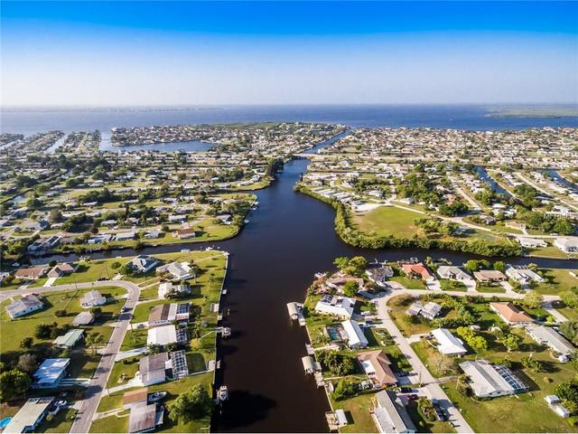 411 Dunn Dr NE, Port Charlotte, FL 33952