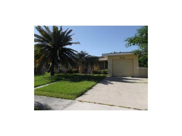 744 Conreid Dr NE, Port Charlotte, FL 33952