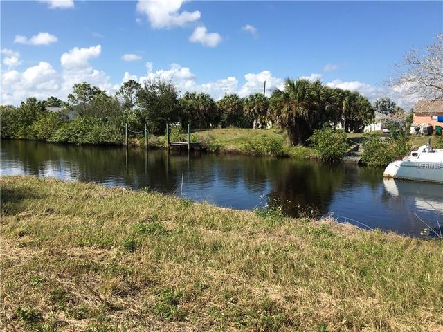 18318 Kerrville Cir, Port Charlotte, FL 33948