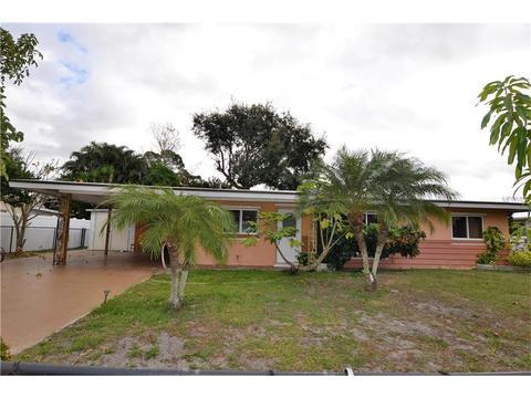 525 Skylark Ln NW, Port Charlotte, FL 33952