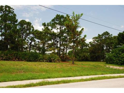 461 Boundary Blvd, Rotonda West, FL 33947