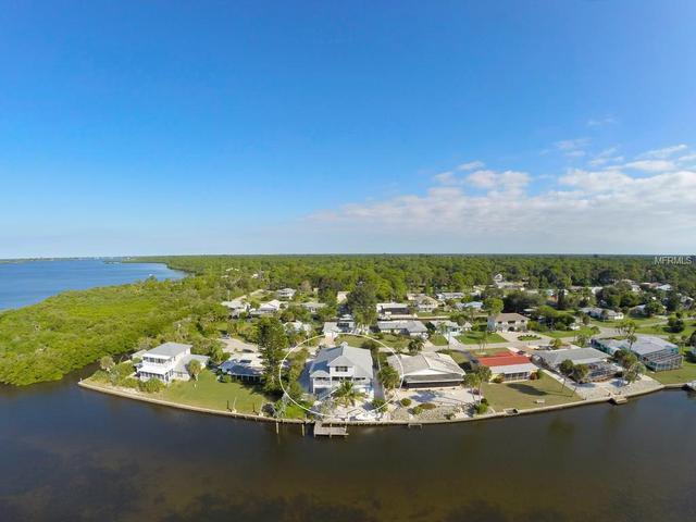 941 Suncrest Ln, Englewood, FL